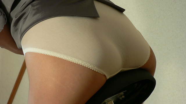 Business suit Sae-chan panties full view saddle up! #2