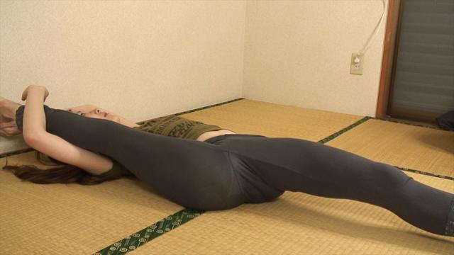 Soft body Ena-chan of jeans yoga! (Sub-camera) #2