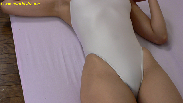 Mons pubis of white swimsuit style nice Sae-chan!