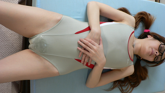 It topped the semen groin during the flexible movement of the soft body Ena-chan's swimsuit! #3