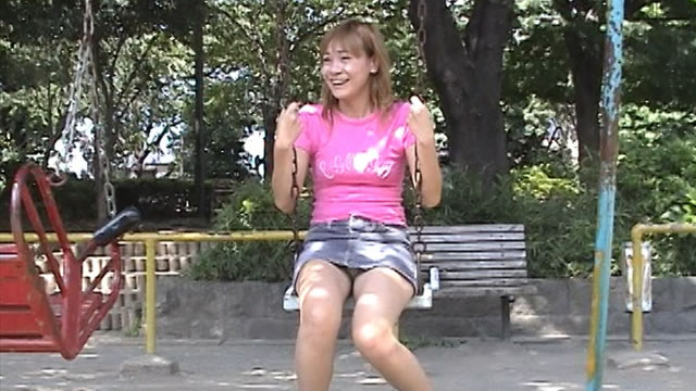 Small tits beauty Rui, outdoor panchira with swing!