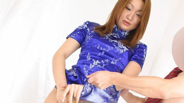 Sexy China girl's pantyhose crotch groping!