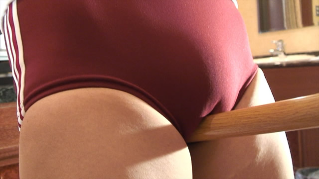 Red bloomers Moriman Cameltoe stick straddling masturbation!