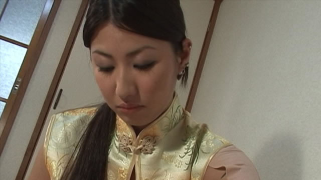 Shiatsu and nipple licking handjob of Asian massage girl in cheongsam! Main camera version #3