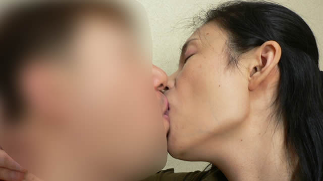 Soggy rich kiss with married woman! #2
