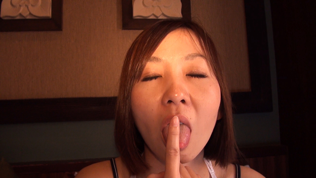 Erotic married woman milf kiss face licking face!