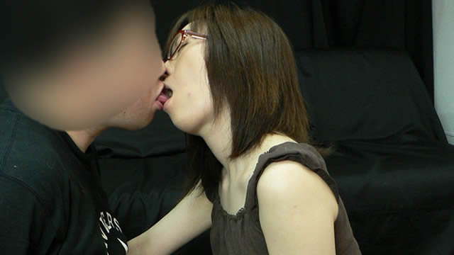 Kiss handjob over jeans! In addition fellatio cum in mouth! #1