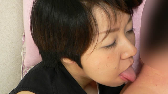 A married woman licks a man's neck from behind! #1