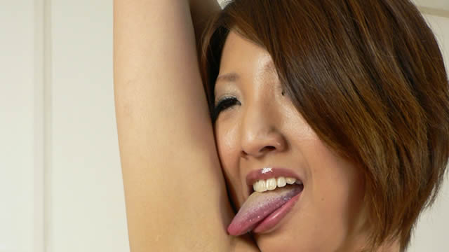 Licking armpit that is too erotic of Sae in light clothes! #2