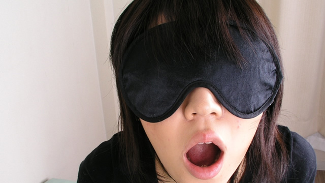 She's blindfolded blowjob with sexy lips! #2