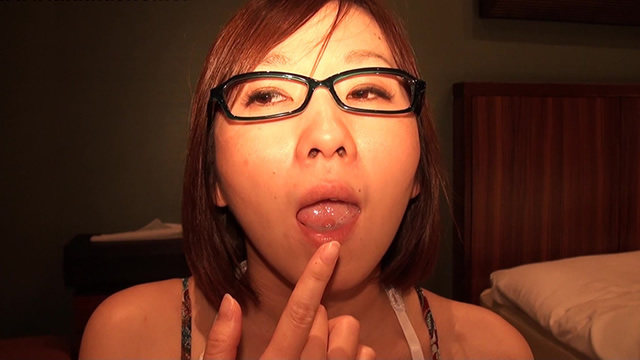Mimics of glasses beauty Miyuki's simulated semen licking semen licking Cumplay! #1