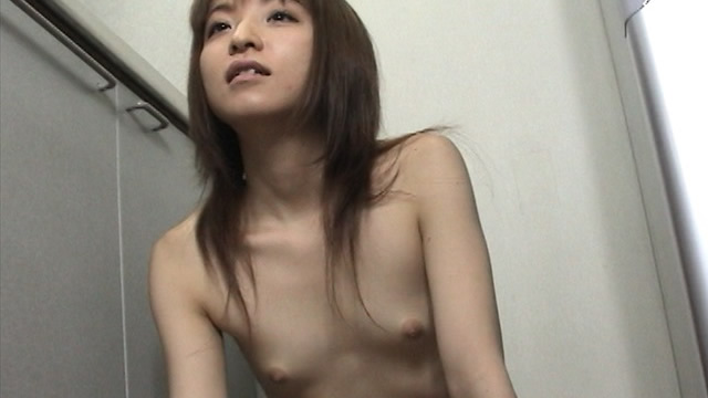Tits girl Manami chan using the ice stand her nipple! #2