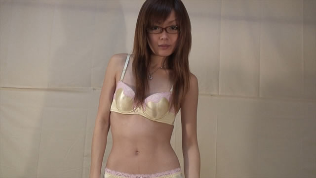 Small breasts slut Ena-chan change from maid to plain clothes!