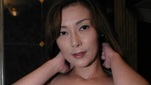 Mature woman's small breasts are erotic!