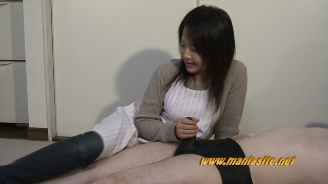 Married wife gentle handjobs to transformation a visitor! #1