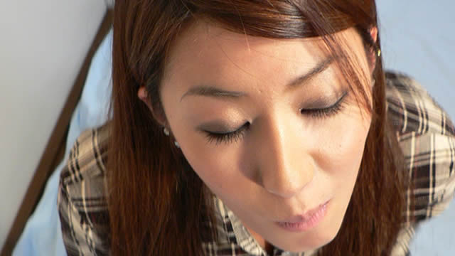 Yuu-chan's simple careful blowjob shoots in the mouth and licks semen! #2