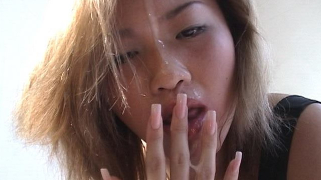 Super fast blowjob expert Hitomi's quick mouth and facial cumshots! #2